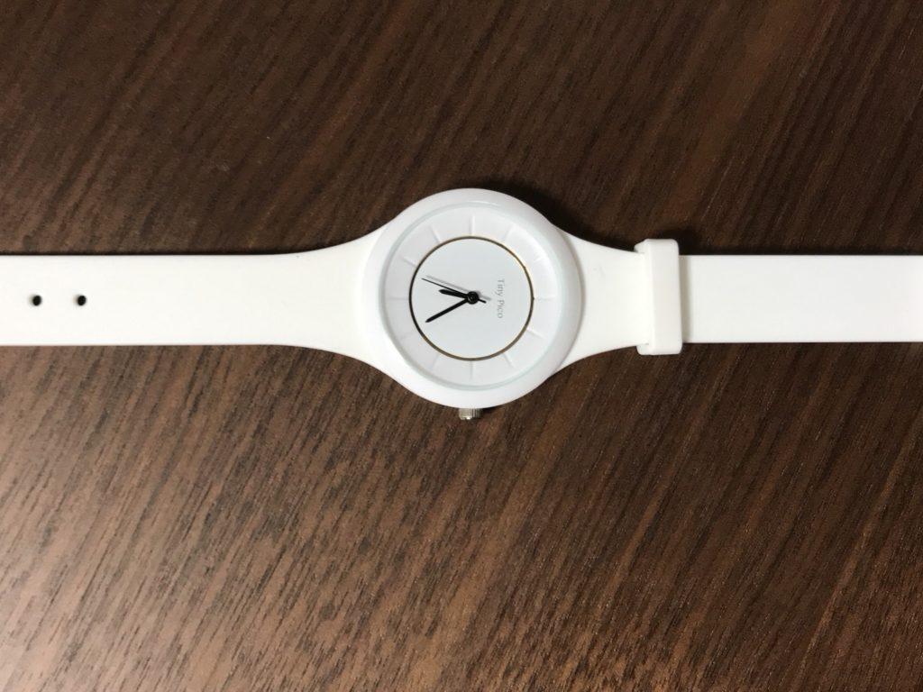 新しい白い時計
